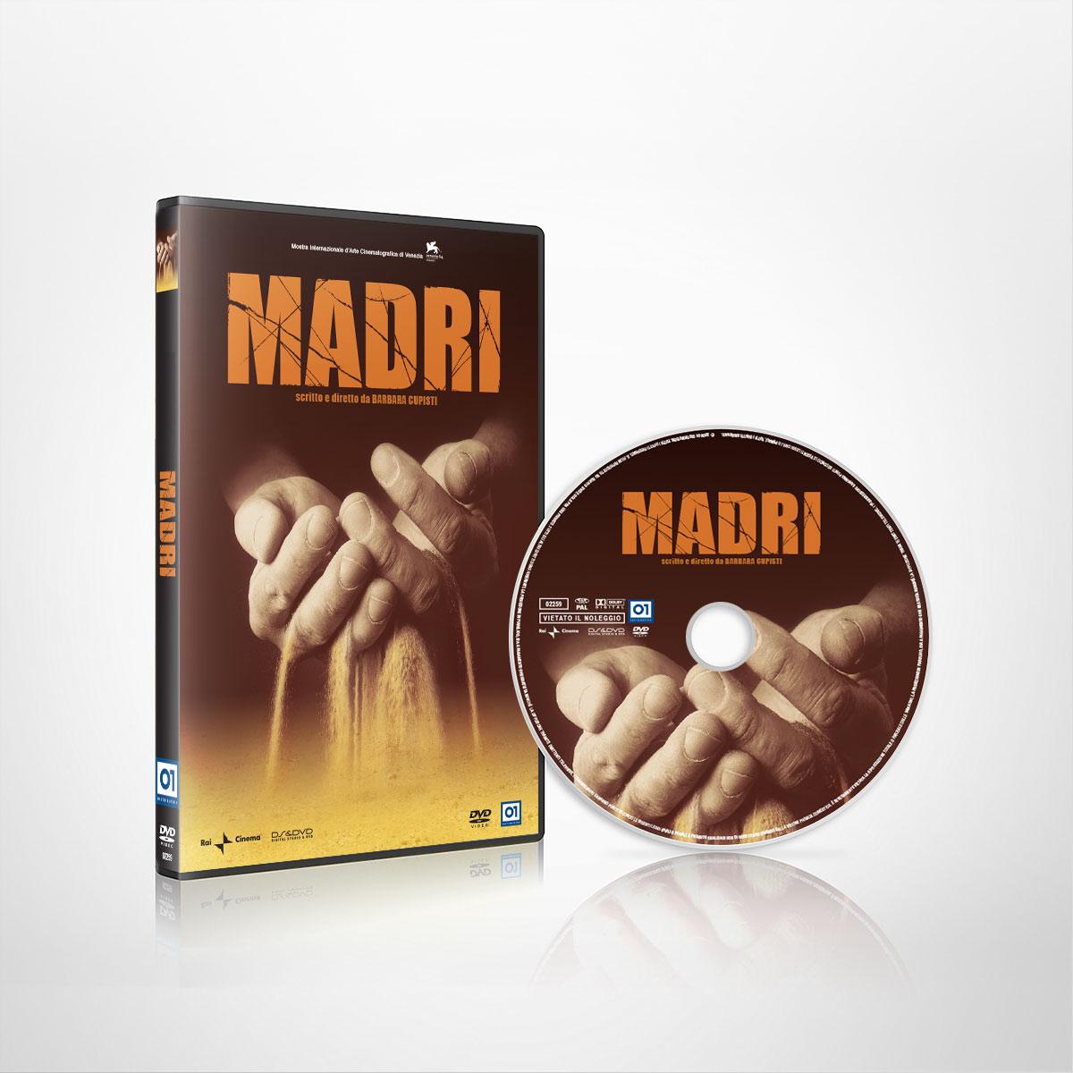 Packshot con fascetta e label del documentario Madri